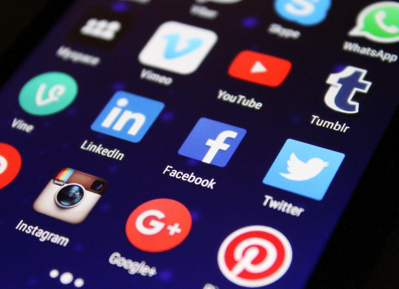 erros que as empresas cometem nas redes sociais