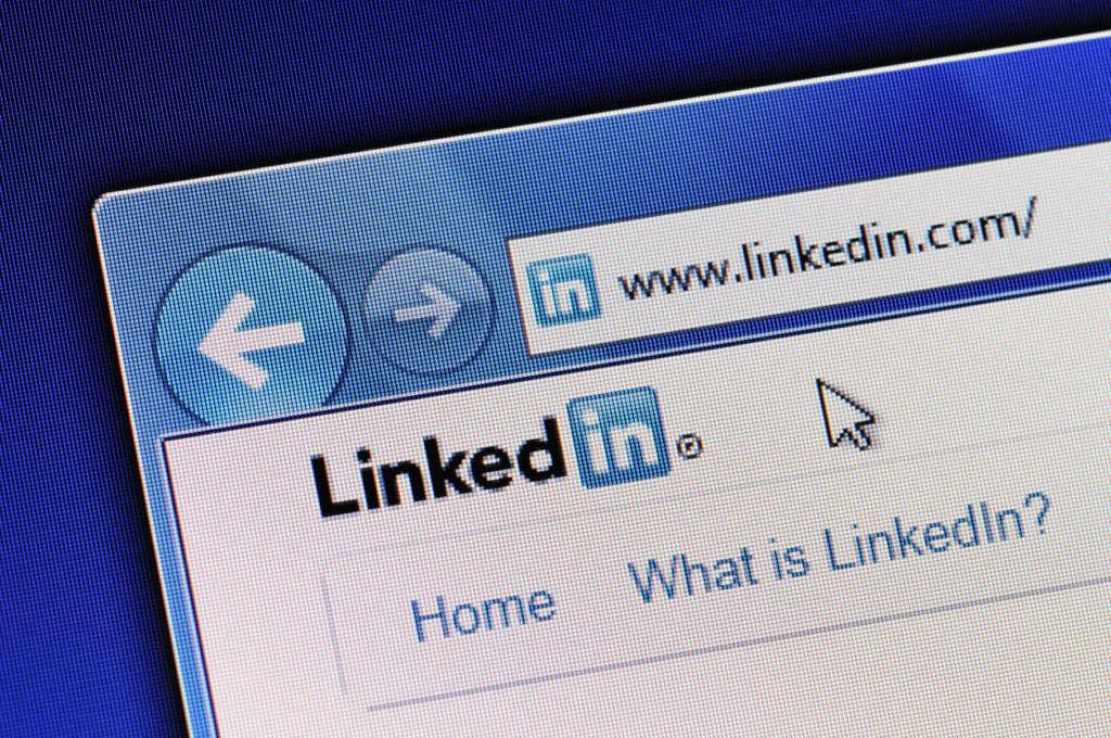 Anúncios no LinkedIn: descubra se você deve investir